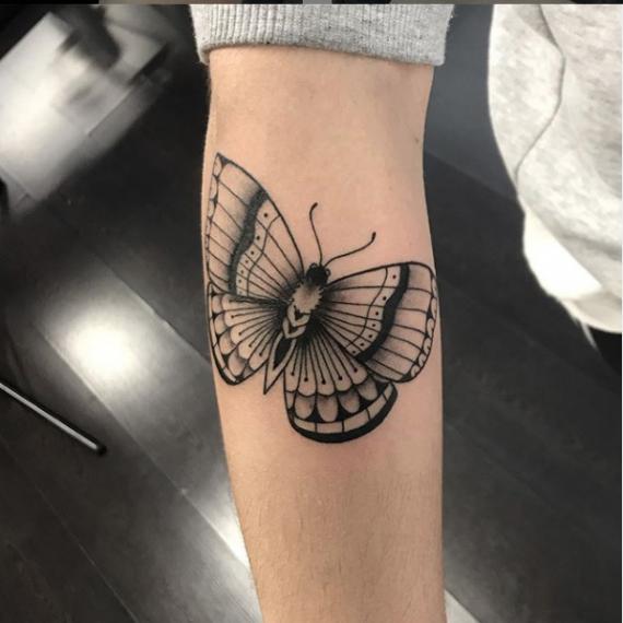 Tatuaje pequeño mariposa5