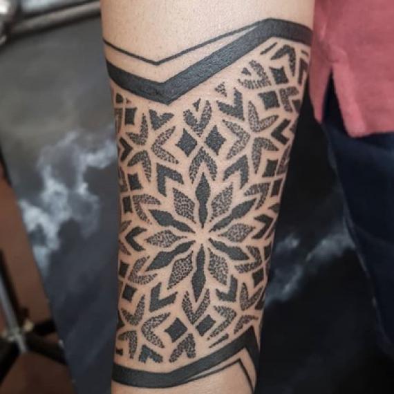 Tatuaje geométrico 41