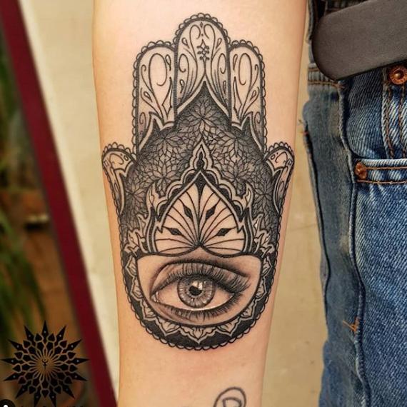 Tatuaje mano fatima1