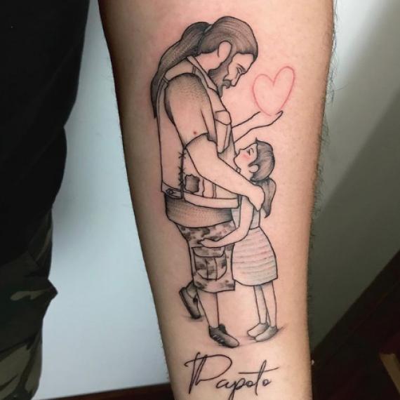 Tatuaje pequeño papa e hija